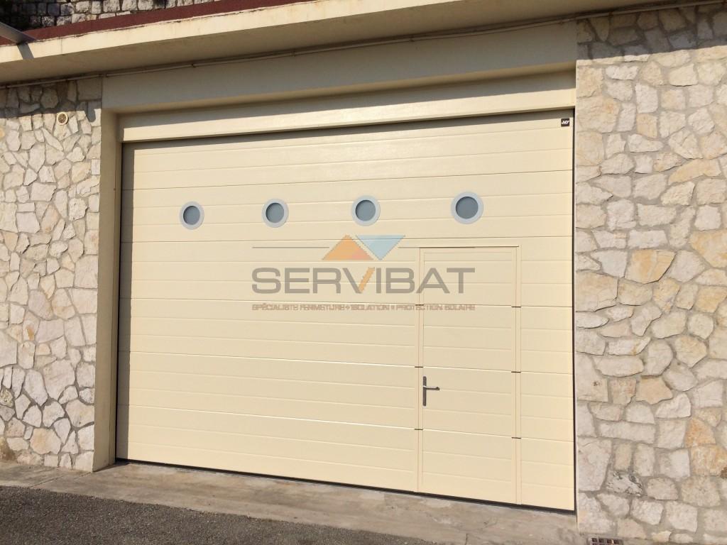 Portes de garage en aluminium motoris s ou manuels nice for Porte de garage 06