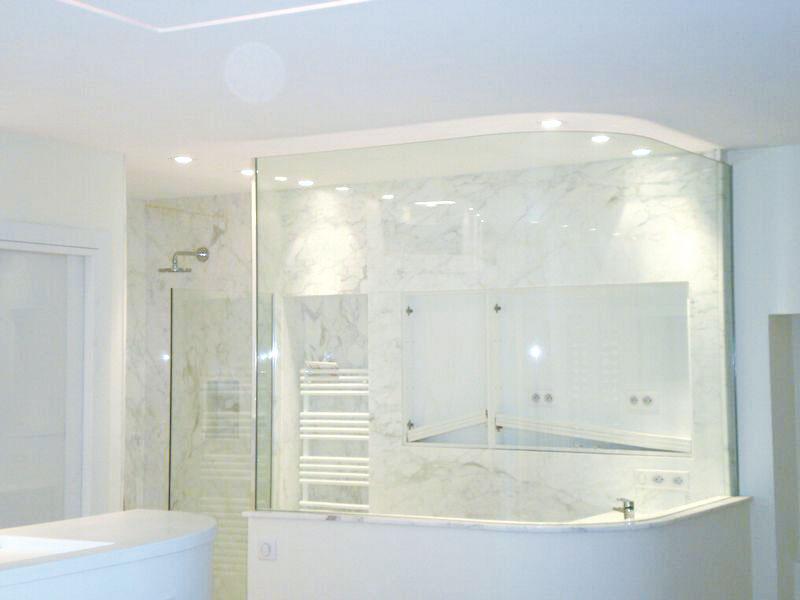 parois de douche en verre servibat sp cialiste vitrage nice. Black Bedroom Furniture Sets. Home Design Ideas