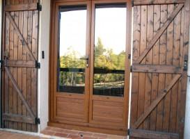 Fenêtre en PVC imitation bois