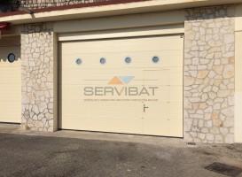 porte-garage-sectionnelle-portillon