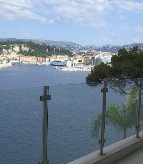 Garde Corps en Verre pour Escalier Intérieur à Nice