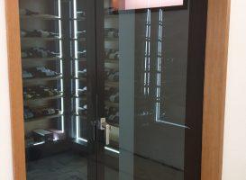 fenêtre intérieure séparation cave à vin